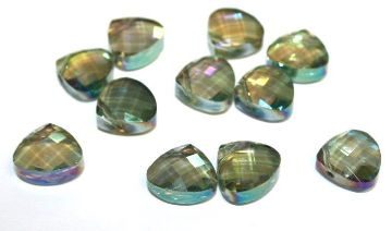 24pcs x 12mm*12mm green with AB coating faceted triangle glass beads -- 3005592